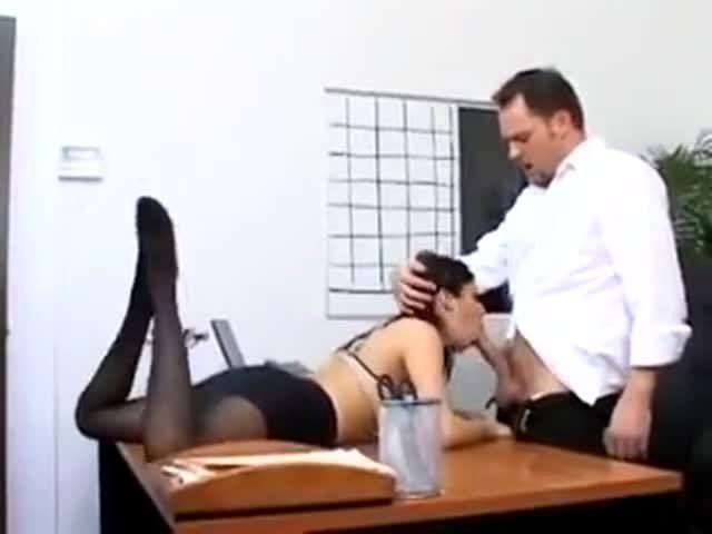 Has Pantyhose Sex With 100