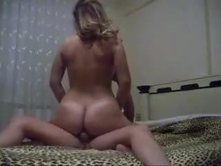 Sexy Amateur Woman Fucks