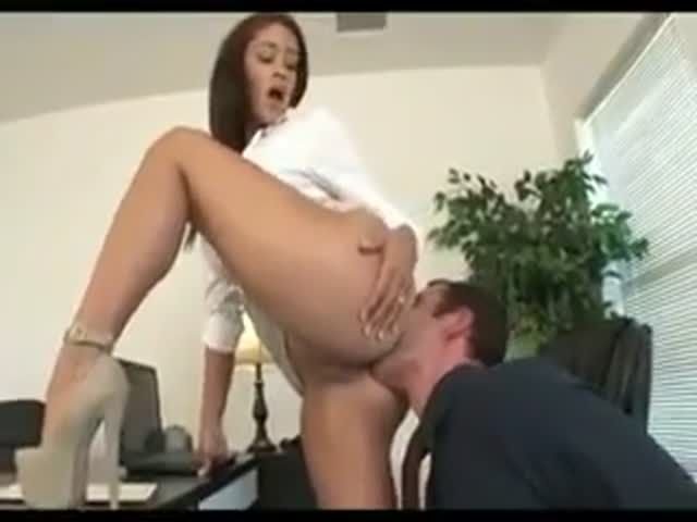 Boss Getting Her Ass Licked In Heels