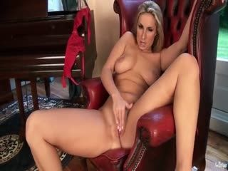 Page Turnah Gets Naked To Masturbate