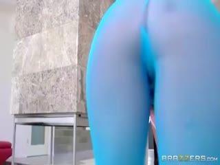 Kelsi Monroe   The Cl Ass Ic Gymnast