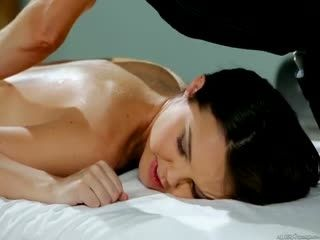 Agm 14 01 20 Aaliyah Love Dillion Harper And Veronica Avluv The Receptionist Returns