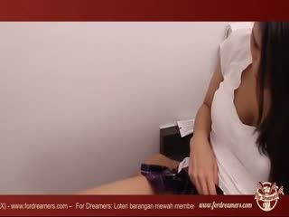 Sexy brunette sexy fucks intensely on the washing machine - ForDreamers.com