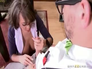 Cassidy Banks   The Slut And The Nerd