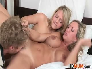Mia Malkova Eats Stepmoms Brandi Love Pussy