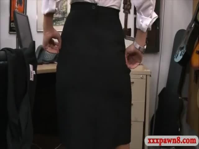 Card dealer cashes in that pussy xxx pawn 7
