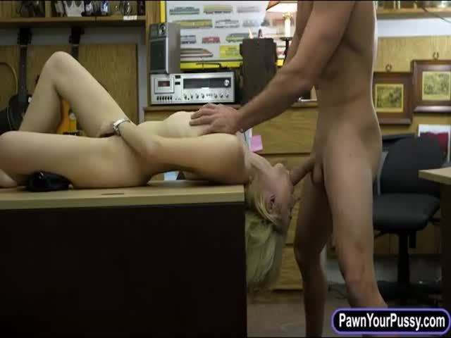 Curvy blonde babe fucked by pawn dude