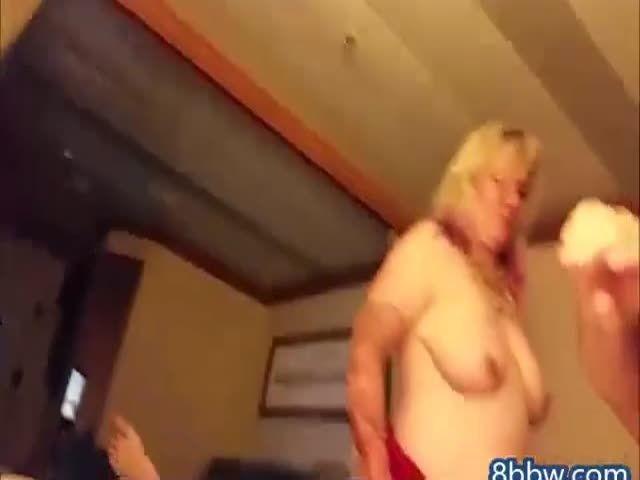Sultwife fucks her husband on cruise ship 9