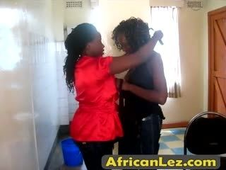 AfricanLez 7min 06 07 2016 2012 07 05 Kali Oni Bathroom Alta 1