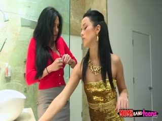 Jaclyn Taylor And Megan Rain This Is How To Do It