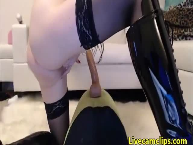 Riding my toy on my guitar and squirting 3