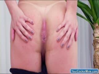 Ts Lara Machado undresses for a jerk off
