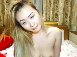 babe yumiilove masturbating on live webcam   webcam girl yumiilove