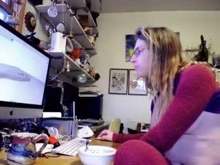 Girl Doxie Masturbating On Live Webcam      Webcam Girl Doxie