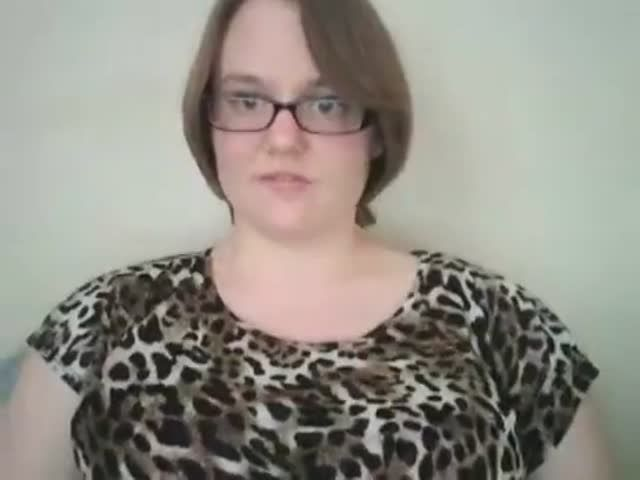 Curvyschoolgirl cam