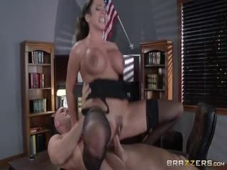 Ariella Ferrera-The Whorin Warden