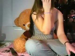 Teen Xemmarose Squirting On Live Webcam      Webcam Girl Xemmarose