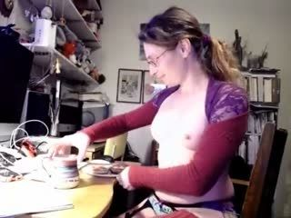 Cute Doxie Masturbating On Live Webcam      Webcam Girl Doxie