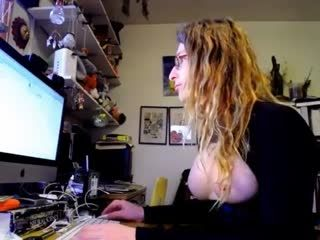 Teen Doxie Playing On Live Webcam   Webcam Girl Doxie