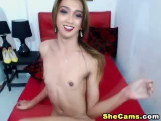Pretty Gorgeous Shemale Having Masturbation Show