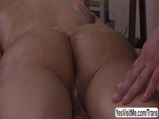Pretty TS Cougar Sunday Valentina Gets Horny During A Sensual Hot Massage