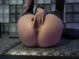 Hardcore Wet Anal Fisting Babe