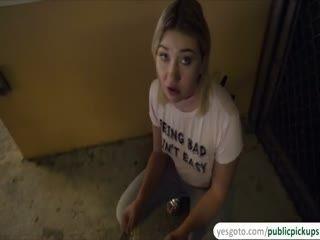 Horny Zelda Morrison Gets Fucked In An Alleyway For Cash