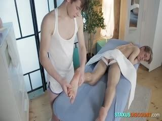 Two Dudes Fuck After A Massage