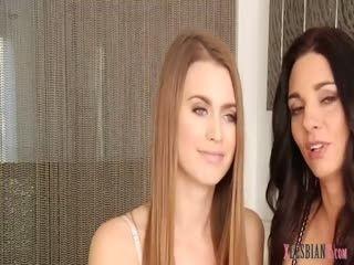 Super Sexy Lesbians Enjoy Pussy Licking