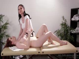 Veronica Vain Came For A Scissor Sex
