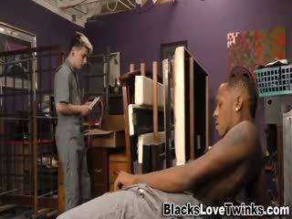 Black Hunk Cums On Twink