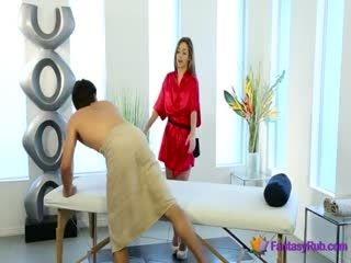 Horny Masseuse Gives Perfect Massage With Sex