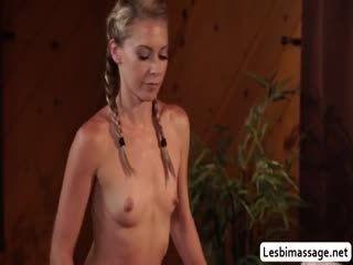 Lena Use Tongue And Fingers To Make JoJo Orgasm
