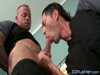Muscly Hunk Eating Ass