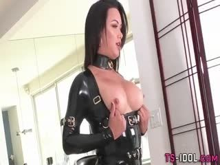 Shemale In Latex Jizzed