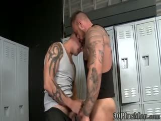 Ripped Bear Gets Rimmed And Fucked For Cum