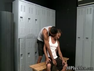 Black Hunk Gets Fucked And Cums