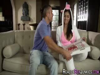 Real Latina Gets Cum After Sucking