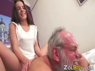 Teen Whore Gets Pussy Creampied