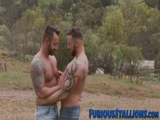 Muscled Hunk Deep Throats Big Cock