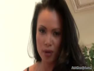 Insanely Beautiful Asian Babe Giving A Handie
