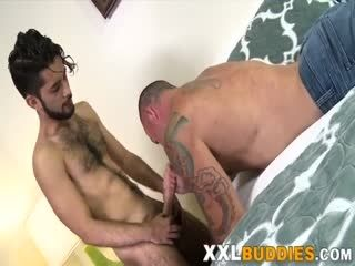 Twink Plows Muscled Bear With Big Dick
