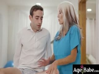 Busty Mature Masseuse Gave An Incredible Happy Ending