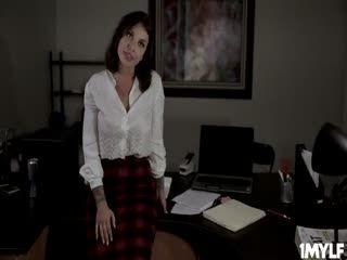 Ivy Lebelle Feels Damon's Shaft Inside Her Love Glove