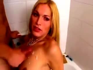 Beautyful Tranny Loves Sucking Hard Cocks