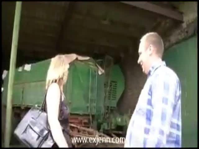 Bauer sucht sau milf treibt es mit fremden auf dem trecker