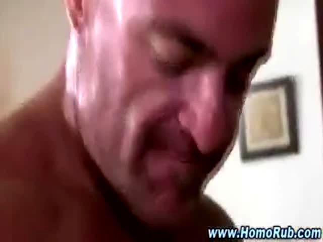 Muscley Hot Amateur Gays Blow Thier Loads