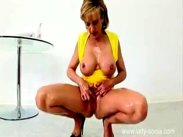 Busty housewife tube